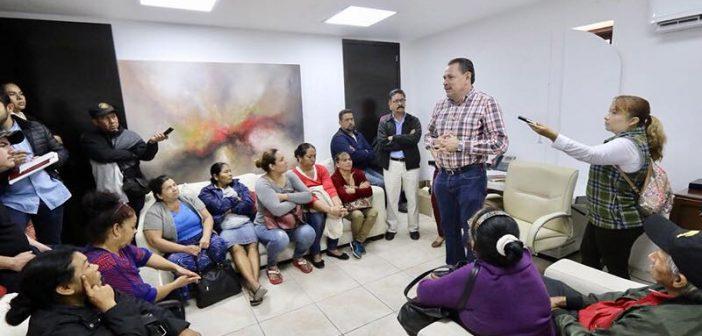 Escucha Jaime Cuevas a ciudadanos y comerciantes de Bucerías en el Miércoles de Audiencia